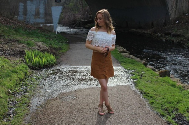 boho ootd, ootd, suede skirt ootd, suede skirt, off the shoulder top, off the shoulder top ootd, favorite off the shoulder top