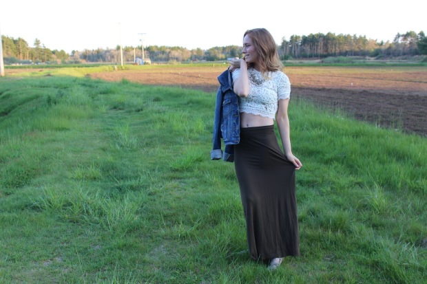 how to style a maxi skirt, lace crop top, forever 21 outfit of the day, ootd, cranberry bogs, boston blogger, blogger, fashion, style, style blogger